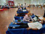 dirut-pt-semen-tonasa-h-subhan-sedang-melakukan-donor-darah-selasa-3112020.jpg