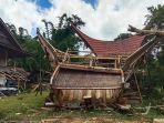 empat-rumah-adat-di-dusun-marante-toraja-utara-ambruk-diterpa-angin-puting-beliung-8.jpg