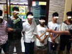 enam-remaja-pencuri-7-karusng-gabah-yang-diamankan-oleh-reskrim-polres-maros.jpg