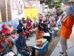 fatmawati-rusdi-melakukan-kampanye-di-dua-titik-di-kelurahan-barombong-sabtu-31102020.jpg