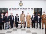 foto-bersama-bupati-gowa-adnan-purichta-ichsan-bersama-komite-olahraga-nasional-indonesia-koni.jpg