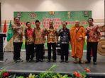 foto-bersama-kiri-ke-kanan-ketua-umum-permabudhi-pembimas-buddha-prov-jawa-timur.jpg