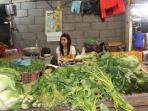 gadis-pedagang-sayuran.jpg