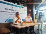 general-manager-uip-sulawesi-defiar-anis-kiri-pada-acara-media-briefing.jpg