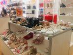 gerai-sepatu-bata-di-nipah-mall-912021.jpg