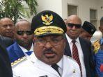 gubernur-papua-lukas-enembe-korupsi.jpg
