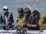gubernur-sulawesi-selatan-prof-hm-nurdin-abdullah-melakukan-panen-udang-sitto-windu.jpg