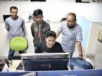 haerul-perakit-pesawat-ultralight-asal-kelurahan-pallameang-di-tribun.jpg