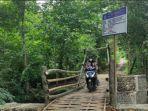 heboh-dan-viral-jembatan-bambu-anggaran-rp-200-juta-di-media-sosial.jpg