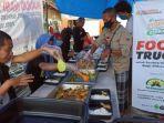 humanity-food-truck-salurkan-zakat-dermawan-untuk-penyintas-banjir-luwu-utara.jpg