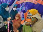 ibu-hamil-di-kabupaten-maros-sulawesi-selatan-disuntik-vaksin-covid-19-kamis-992021.jpg