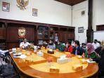 ikatan-senat-mahasiswa-kedokteran-indonesia-ismki-wilayah-empat-menemui-danny-pomanto.jpg