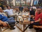 ilham-arief-sirajuddin-makan-malam-bareng-sarjan-tahir-wakil-ketua-bidang-pertimbangan-dpp.jpg
