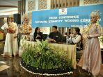 irma-memberikan-keterangan-fantastic-ethnicity-wedding-expo-2019.jpg
