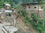jalan-poros-provinsi-di-desa-gantareng-kecamatan-sinjai-tengah-mengalami-longsor.jpg