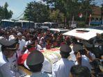 jenazah-ichsan-yasin-limpo-tiba-di-masjid-agung-syekh-yusuf-kabupaten-gowa.jpg