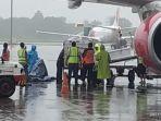 jenazah-ricko-maluhette-tiba-di-bandara-sultan-hasanuddi-makassar.jpg