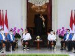 jokowi-mengumumkan-enam-menteri-baru-itu-di-beranda-belakang-istana-merdeka.jpg