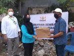 kadin-sulsel-menyerahkan-sembako-ke-warga-kelurahan-banta-bantaeng-2852020.jpg