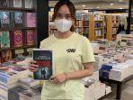 karyawan-gramedia-mari-memperlihatkan-buku-terbitan-gramedia-diskon-20-sabtu-16102021.jpg