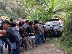 kecelakaan-lalulintas-terjadi-di-km-3-kelurahan-puserren-kecamatan-enrekang.jpg