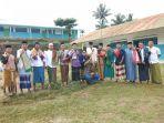 kelompok-pemuda-dari-desa-bakaru-siap-memenangkan-pasangan-calon-bersalam_20180621_155152.jpg