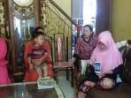 keluarga-jamaah-calon-haji_20150915_154553.jpg