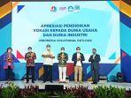 kemendikbud-ri-memberikan-penghargaan-kepada-pt-yamaha-indonesia-motor.jpg