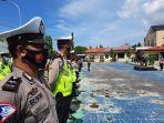 kepala-kepolisian-resor-majene-akbp-irawan-banuaji-memimpin-apel-kesiapan-bhabinkamtibmas.jpg