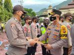 kepala-kepolisian-resort-kapolres-enrekang-akbp-andi-sinjaya-memberikan-penghargaan.jpg