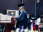 ketua-majelis-ulama-indonesia-mui-sulsel-kh-agh-sanusi-baco-lc-didaulat-membacakan-doa.jpg