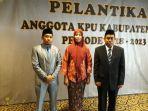 komisi-pemilihan-umum-kpu-ri-melantik-tiga-anggota-kpu-selayar_20180721_004610.jpg