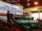 komisi-pemilihan-umun-kpu-toraja-utara-mengelar-rapat-evaluasi-pilgub-sulsel-2018_20180830_121627.jpg