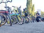 komunitas-sepeda-di-makassar-yang-tergabung-dalam-gerakan-bike-to-work-b2w-472020.jpg