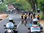 komunitas-sepeda-makassar-cycling-club-mcc-melintas-di-pangkep-minggu-2792020.jpg