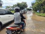 kondisi-jalan-rusak-di-jl-metro-tanjung-bunga-kecamatan-tamalate-makassar.jpg