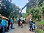 kondisi-jalanan-kampung-kalorang-dusun-batara-malong-desa-ulusaddang-53.jpg
