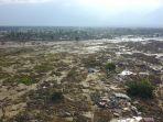 kondisi-kelurahan-petobo-kota-palu-sulteng-usai-porak-poranda-diguncang-gempa-77-sr_20181001_200110.jpg