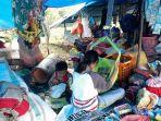 kondisi-pengungsi-banjir-bandang-di-posko-meli-2472020.jpg