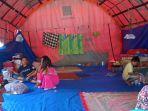 kondisi-pengungsi-korban-banjir-di-posko-pengungsian-kelurahan-watallipue.jpg