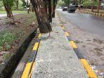 kondisi-trotoar-di-sepanjang-jalan-jeneponto-kota-sabtu-1192021.jpg
