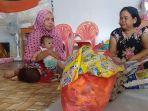 korban-banjir-yang-mengungsi-di-kompleks-tk-di-kelurahan-mattirotappareng.jpg