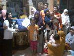 korban-gempa-palu-yang-mengungsi-di-rumah-warga-maros_20181007_155610.jpg