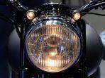 lampu-sepeda-motorshutterstock.jpg