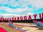 landmark-vova-sanggayu-di-pantai-kabupaten-pasangkayu-sulbar.jpg