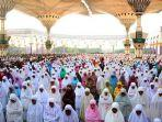 lengkap-lafadz-niat-doa-bacaan-salat-ied-hari-raya-idul-fitri-wajib-dengar-khutbah-yah.jpg