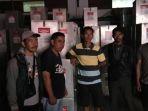 logistik-kertas-suara-dari-kecamatan-pasilambena-kabupaten-kepulauan-selayar-tiba-di-kpu_20180702_122514.jpg