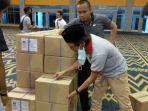 logistik-surat-suara-pemilihan-wali-pilwali-makassar-tiba-di-ccc.jpg