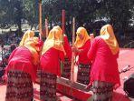 lomba-tradisional-warga-soroeako-meopudi.jpg
