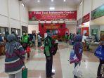 lonjakan-pengunjung-toko-mitra-tani-pusat-di-ttic-pasar-minggu-jakarta-selatan-1.jpg